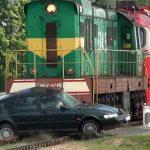 Kavajë, treni përplaset me makinën; 6 të plagosur