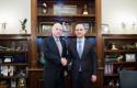 Bushati: McCain, mik i shqiptarëve që luftoi për liri