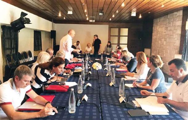 Ndryshime në kabinet? Rama mbledh qeverinë në Vlorë