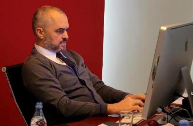 Rama reagon ne Twitter per vrasjen e ekstremistit grek ne Bularat konica.al