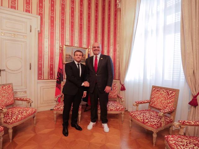 Rama_Macron