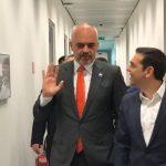 Greqia dhe Bularati, Rama: Dy palë qirie Kadrinj që s'i duhen as dreqit