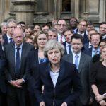 Tronditet Britania/ 4 ministra japin dorëheqjen