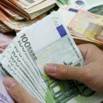 Këmbimi valutor/ Si nisi java për euron dhe dollarin?