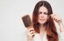 Arsyet më të shpeshta të rënies së flokëve!