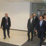 Haradinaj i kërkon Hahnit liberalizimin e vizave konica.al