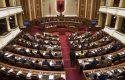 Balla ngre Parlamentin në këmbë në mes të seancës
