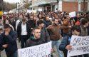 Studentët e Drejtësisë hedhin firmat: Duam mësim, na bllokojnë militantët