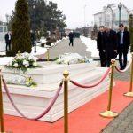 Përvjetori i Rugovës/ Thaçi: Nderime dhe respekt