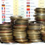 Poundi britanik 'i ashpër' me lekun, Euro dhe Dollari…