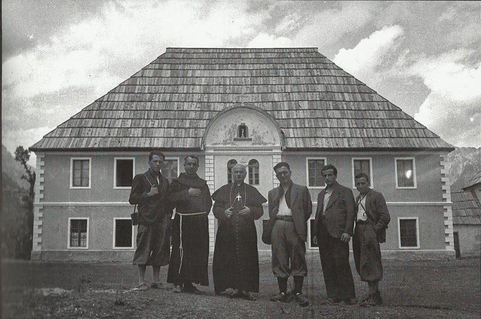 Ernest Koliqi permes fotografise Publikim Albert Vataj 1