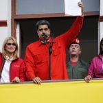 Paratë e pista e mbajnë Maduron në pushtet